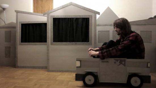 Testar Skurkbilen i Skurklandet